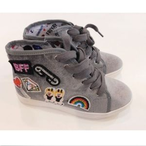 Steve Madden Velour Patch Embroidered Sneakers 1 M